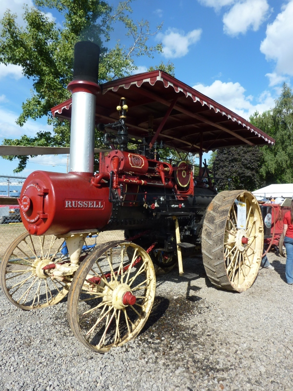 Having some of the vintage machines from the Brooks Steam Up at the fair was a great tie-in for both events.