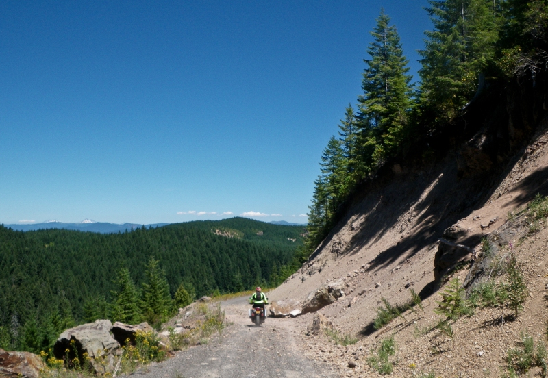 Old mining road above Doreena lake