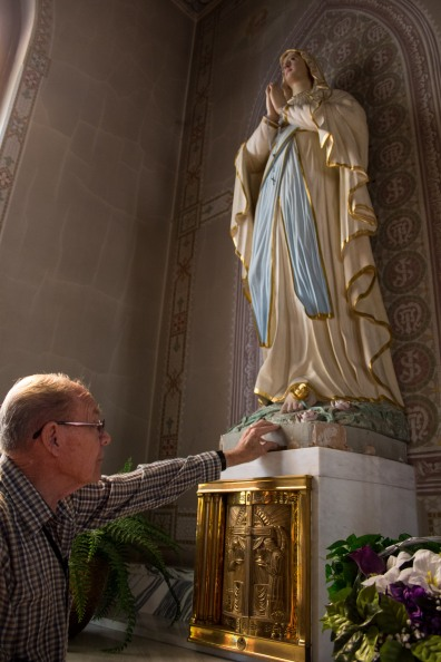 Our tour guide Bob touches a little bit of history in St. Peters Landmark Church in The Dalles Oregon